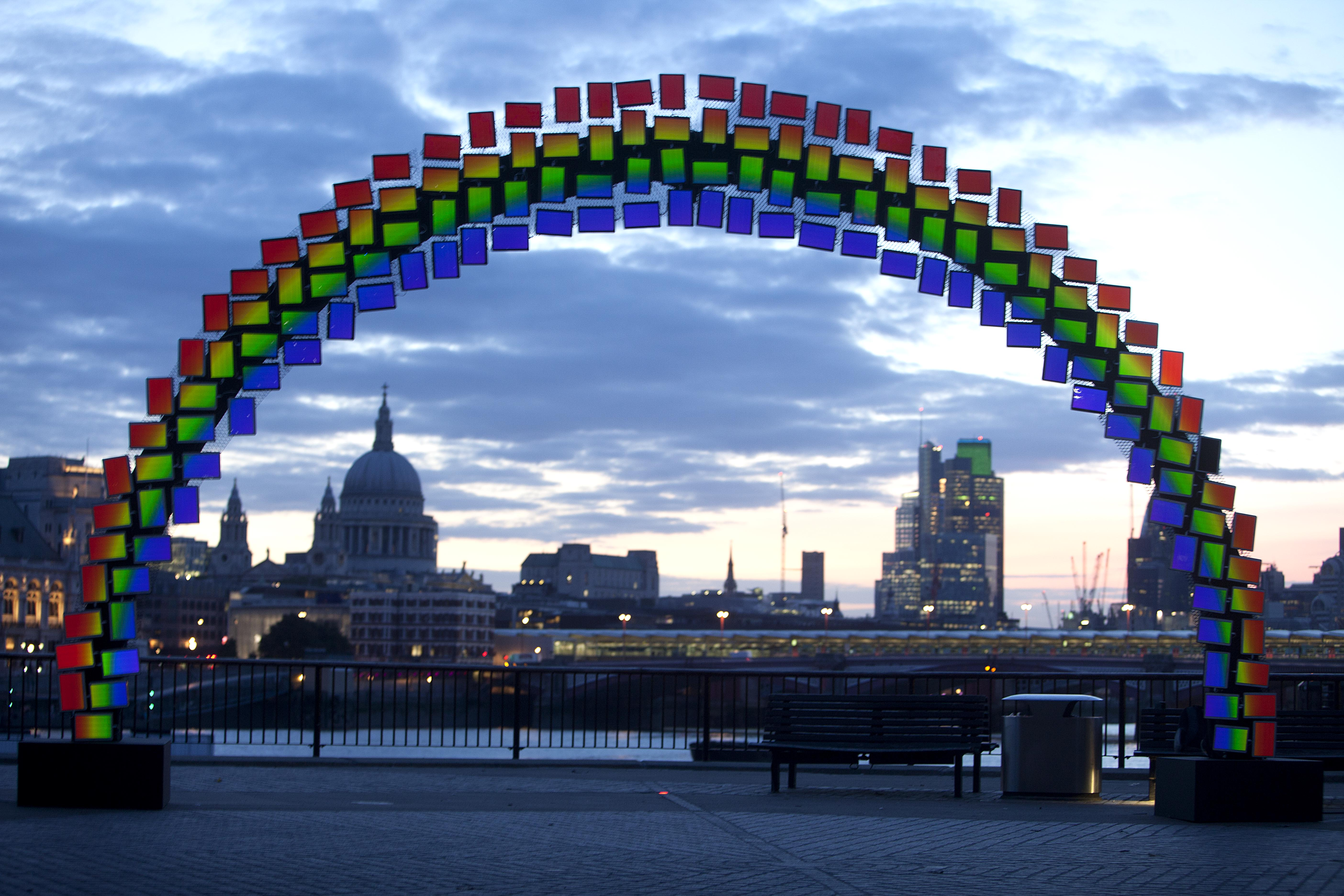 boom reviews - Samsung Galaxy Tab S midnight rainbow on London's South Bank
